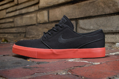 "Nike SB Stefan Janoski ""Terra Cota"" You don't catch me often blogging about the Janoski but this has to be a really strong colourway. The shoe made a name for itself being the first to mix skate and boat shoes. This season they've released the Terra Coat, using a canvas upper in all-black and a red outsole with tonal laces and swoosh making it the perfect colourway for this Autumn."