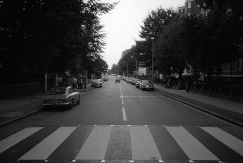 empty abbey road crossing