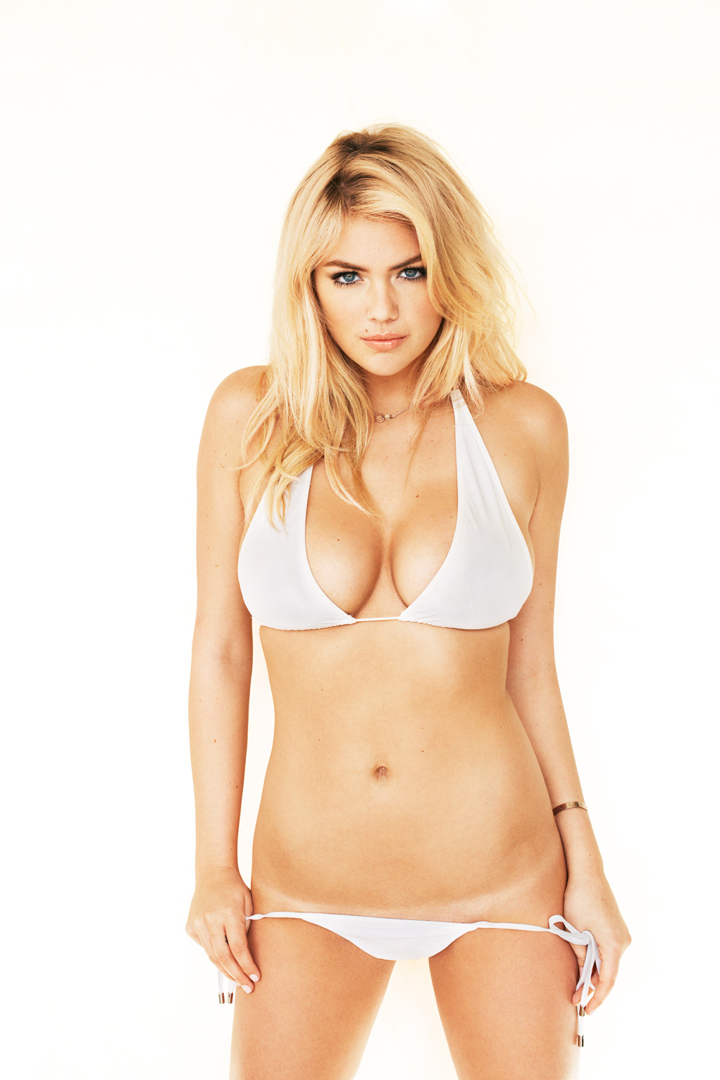 suicideblonde:  terrysdiary:  Kate Upton outtake #3  yes…..yes…..  MY SMELLING SALTS!