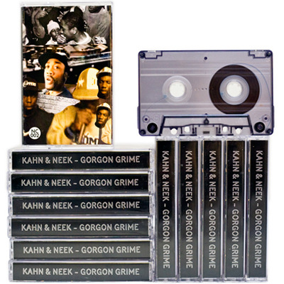 [fc] 予約受付開始! KAHN & NEEK - Gorgon Grime [No Corner] Cassette GORGON SOUND stocks at DSZNO CORNER stocks at DSZ  'Dat sound, was like a big influence, there weren't nothing like that sound before that' Side A&B - Kahn & Neek - Gorgon Grime. A 40 minute sonic bricolage of golden era grime pieced together by Kahn & Neek. Sounding like a battered TDK 90 that's been taped over so many times, cracks in the layers appear. Fleeting snapshots from the last 10 years of grime culture appear through mists of tape hiss, reverb tails and sound bytes. Short sections of now iconic tracks made in bedroom studios and bounced across the London pirate airwaves via tower block rooftops surface through the crackle and hiss, laced with the gulliest bars from the most respected MCs in grime. This cassette captures the rough & ready attitude and raw energy that made this period of UK urban music so timeless. Side A sample:Side B sample: