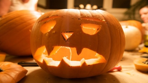 Jack-o'-CFL? The DOE does pumpkin carvingSince 'drunk barfing pumpkin' is so last year, the Department of Energy steps into squash-carving territory with several energy-themed stencils for jack-o'-lanterns.