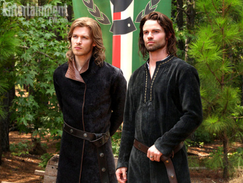 'Vampire Diaries:' See Klaus and Elijah in period costume — EXCLUSIVE {x}