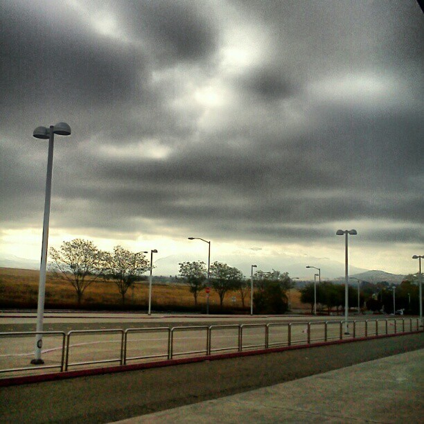 #crazy #cloud #skyline I think it's going to #rain (Taken with Instagram)