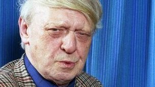 "Clockwork Orange Author Anthony Burgess Has Blue Plaque Anthony Burgess, author of A Clockwork Orange, has been honoured with a blue plaque unveiled at the university where he studied. He graduated from the University of Manchester in 1940 and was awarded an honorary doctorate by the institution in 1987, six years before he died. Burgess grew up in Harpurhey and Moss Side, before winning a scholarship to Xaverian College. As an undergraduate he also wrote music including a piano sonata. The ceremony was proceeded by a trumpet fanfare he wrote as a birthday present for his son - Andrew Burgess Wilson. Other than a plaque outside the author's former flat in Monaco - where he lived for 17 years - no other monument exists to him, the university said. Lawless Society Dr Andrew Biswell, director of the International Anthony Burgess Foundation, said: ""I'm delighted that the university has decided to install the first British public monument to Burgess, 50 years after A Clockwork Orange was first published."" The undergraduate John Burgess Wilson - who invented the name Anthony Burgess when he published his first novel - studied English literature at the university from 1937 to 1940. He went on to write 33 novels, 25 works of non-fiction, two volumes of autobiography, three symphonies and more than 250 other musical works, including a violin concerto for Yehudi Menuhin. Burgess's 1962 novel A Clockwork Orange depicted the ruthless sexual ""ultra-violence"" of a teenage gang leader in a lawless society. He wrote his screenplay for the film in 1969, but it was rejected by director Stanley Kubrick, who created his own take on the text as the basis for the controversial film. The plaque was unveiled by Prof Jeremy Gregory, head of the School of Arts, Languages and Cultures."