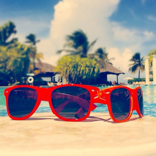 father & son sunglasses😎 ☀🌴🎉 #puertorico #instagram #iphonegraphy #igpuertorico #mybirthday #birthday #old #33 #october #vacation #fun #playing #happiness #hotel #pool #palms #fatherandson #beach #sky #chair #paradise #vacation #sunglasses  (Taken with Instagram at Gran Melia Pool)