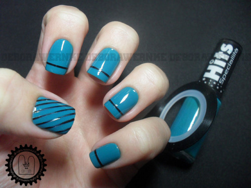 Striping Nail Art on Flickr.http://fofuricerules.wordpress.com/2012/10/11/striping-nail-art/ FOFURICE RULES ♥
