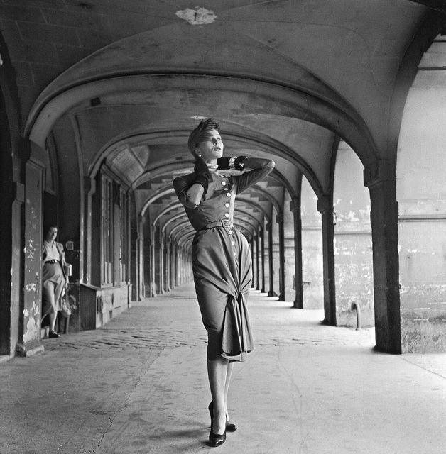 midcenturyblog:  Photo by Willy Maywald, Place des Vosges, Paris, 1950 by dovima_is_devine_II on Flickr.