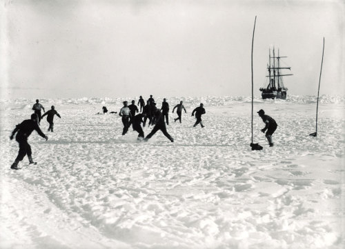 "cultfootball:  Football match on Antarctica, 1914  (via ""The photographs of Frank Hurley: Shackleton's Antarctic expedition gone wrong 