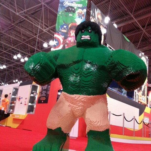 #LEGO #HULK SMASH PUNY #NYCC!!! #MarvelNYCC  (Taken with Instagram)