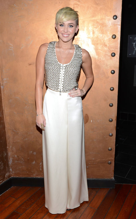 Miley, Can we issue a Missing Midriff Report?! What do you think of her Rocker Chic Style Tumblr fans?!