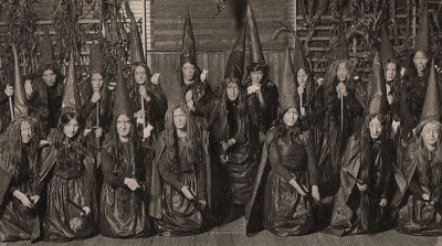 Halloween in Mansfield c.1907 via  sexe1