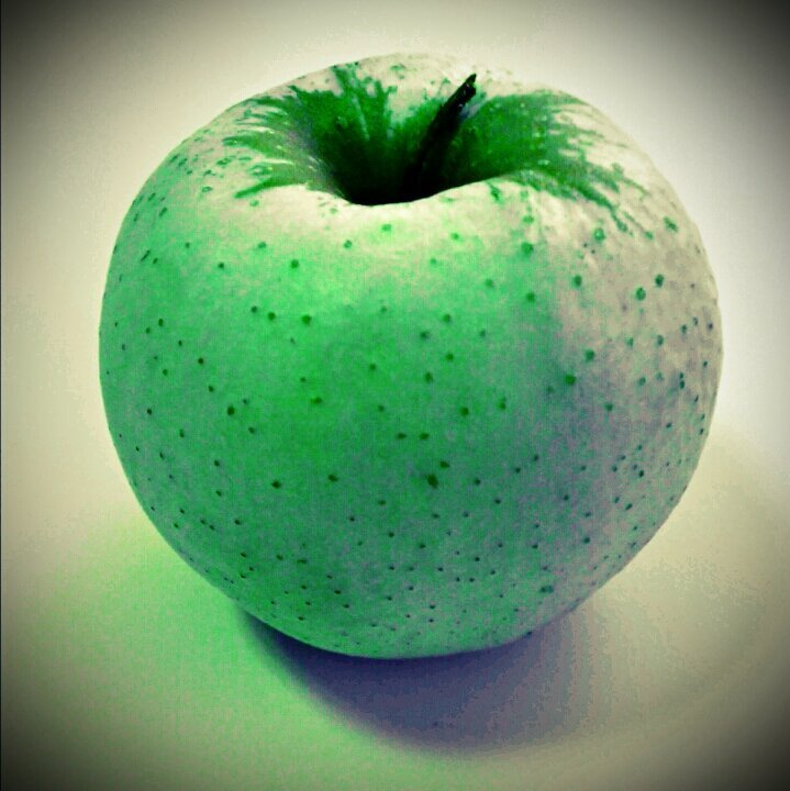 Apple experiment no.1#fruit #apple #colours #texture #food #light #contrast #shadows #strange #htc(from @bonusmile on Streamzoo)
