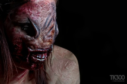 This was actually from last Halloween, organised shoot with Silent Hill Studios/Jason Wright who took A YEAR to let me post them online!! But fuck it We summoned Hellraiser ;-) I hand made the prosthetics for this shoot so here is my Chatterer Inspired one!!! Model: Stacy Hughes MUA/Prosthetics: Alice Bizarre Make UpPhotographer: Tony Barnett xxxxx