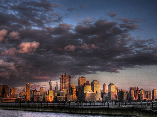 magicfran:  New York skyline by davenyc2007 on Flickr.
