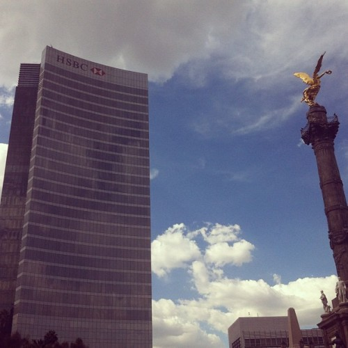 #Office #building #mexico #city (tomada con Instagram en HSBC Corporate Tower)