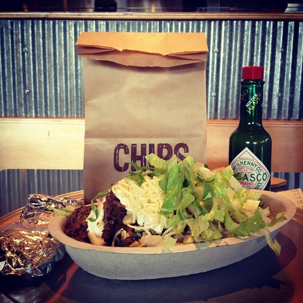Lunch with DChu😍 #chipotle #mexican #steak #bowl #chips #jalapeno #lunch #satisfying #thankyou #danielchu #yum #instafood #foodgasm #foodporn (Taken with Instagram)