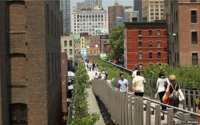 domgoodrum: London, Chicago and Rotterdam look to emulate New York's Highline. (via BBC News - New York's High Line: Why cities want parks in the sky)