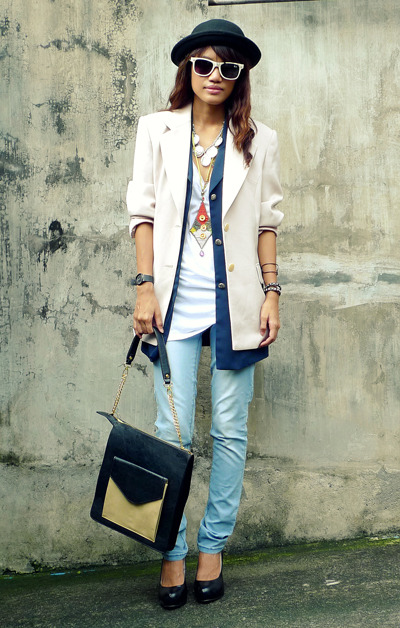 One hat, two blazers, many accessories, all atop a simple tee. Hmm…this has got us thinkin'! (via glamour.com)