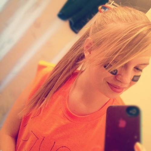 Hi guys😊 #hi #smile #nose #piercing #lakes #orange and #blue #longhair #blonde #ponytail #iphone #ribbon #bow  (Taken with Instagram)