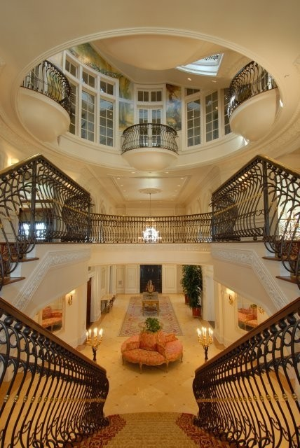 vanessiesopendiary:  (via FOYERS, SUNROOMS, PORCHES, AND LAUNDRY)Dream home dreaming.Talk about a grand entrance! This foyer is oh so glamourous and oh so fabulous!!