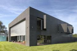 The First Ever Zombie Proof Home has been released. This is absoloutley amazing! Reblog & Click the picture to see it all.