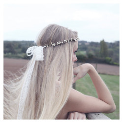captureabillionsmiles:   bridal headband Swarovski pearl and lace natural Noa ❤ liked on Polyvore