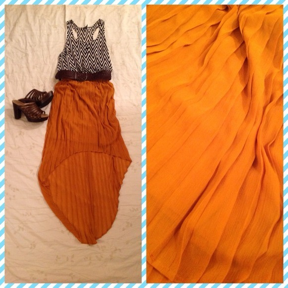 I just added this to my closet on Poshmark: High-low skirt - size Small. (http://bit.ly/TE0GtI) #poshmark #fashion #shopping #shopmycloset