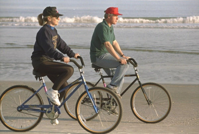 Could someone please adjust Bill & Hill's bike seats for them?