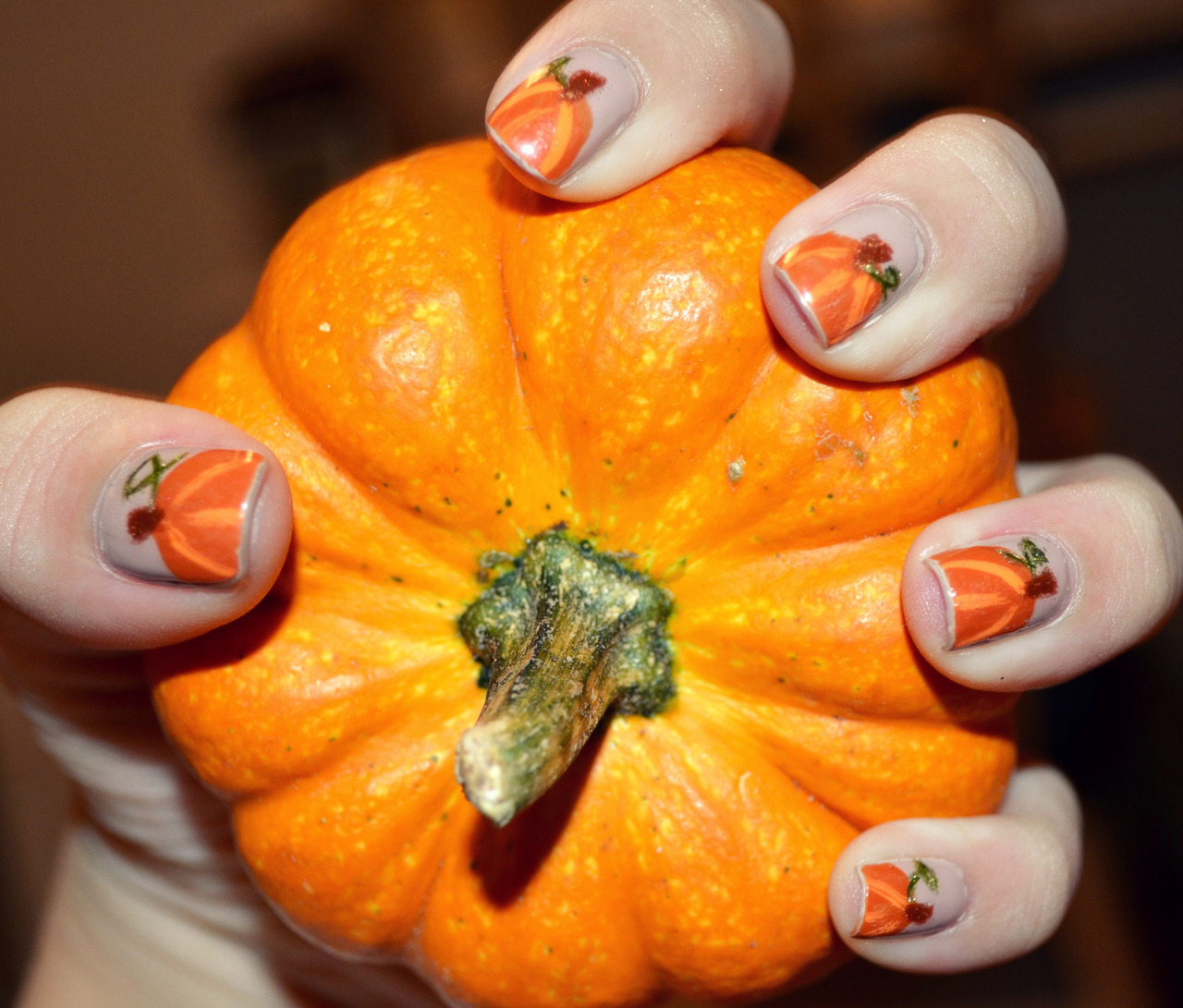 professionail:  Pumpkin Nails