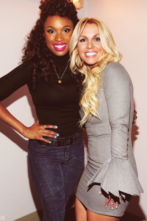 poisonparadise:  Britney Spears + Jennifer Hudson | GRAMMY Salute to Whitney HoustonLA | 10.11.12     Britney looks FLAWLESS.