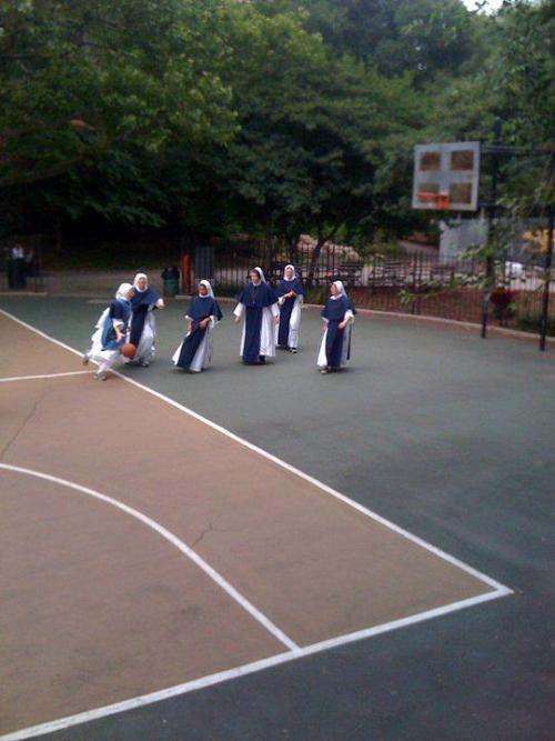 impenetrabiilis:  donutlikeu:  scraggay:  slam nunk  the score is 6 to nun   First to nun