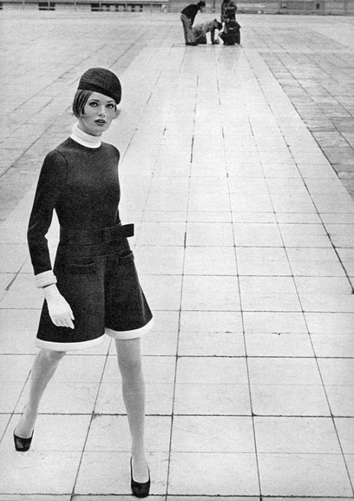theswinginsixties:  Fashion by Jean Patou, 1968.