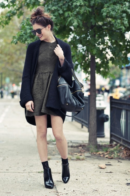 Topshop textured pleat tunic, Zara cardigan and boots, Kelsi Dagger 'mackenzie' bag [source: ontheracks]
