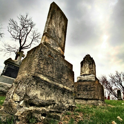 #HDR #illinois #lemont #cemetery #tombstones #headstones #stjames #thesag  (Taken with Instagram)