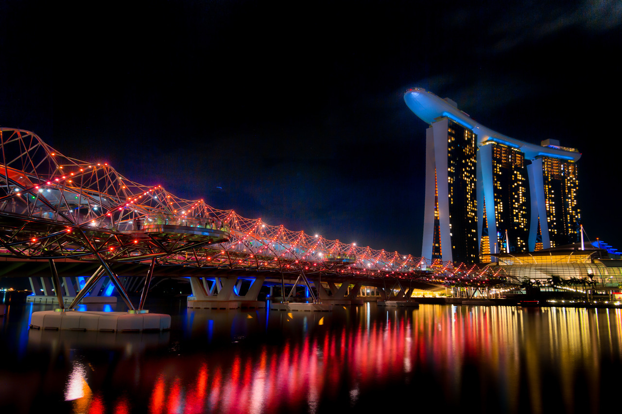 The Helix Bridge & Marina Bay Sands, Singapore