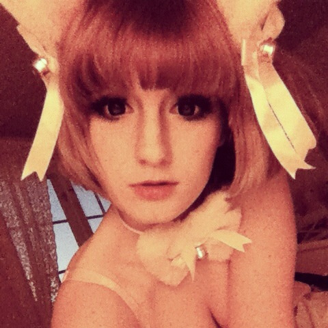 My cat ears looks kinda cute with my new haircut\(//∇//)\