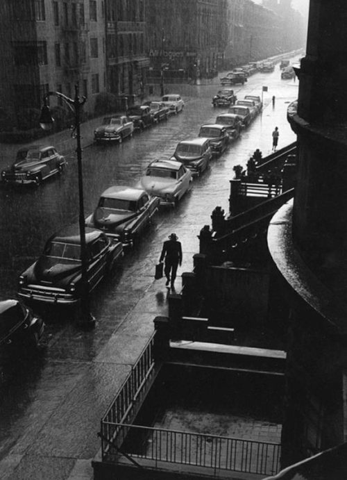 Ruth Orkin The Man in the rain, New York, 1952