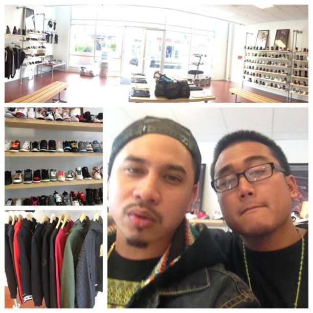 Slid thru @kickcity one time to see my bro @bigcaselow about some kicks for my lil ones. & they carry that @onetruesoul clothing over here too. @onetruesoul_com  #KickCity #Sneakers #onetruesoul  (Taken with Instagram at Kick City)