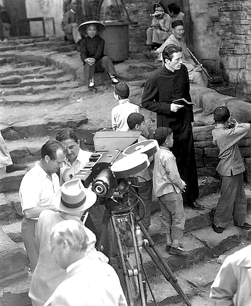 Gregory Peck on the set The Keys of the Kingdom (1944)