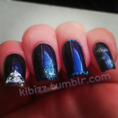 kibizz:  Glittery experiments with #NailsInc Chesham Street! (Was thinking 'mystical clouds' with my pinkie, in case you were wondering.)