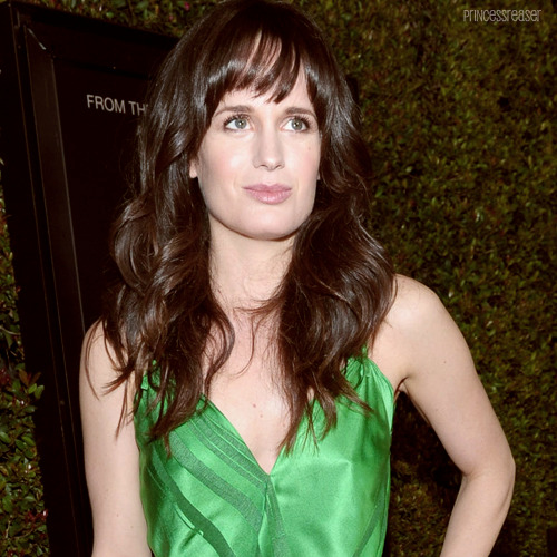23 / 100 photos of Elizabeth Reaser