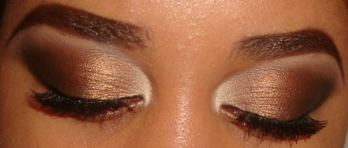 What Whitney Wore Tonight: MAC's Femme Fi e/s , Bronze e/s from ELF's Butternut Quad, MAC's Midnight Manuevers e/s , Black e/s from loreal hip duo in gilded and a matte e/s from coastal scents 88 e/s palette for my highlight. ( no tutorial sorry) This was rushed nothing along the lower lashline and ardell wispies . For My Tutorials visit http://www.youtube.com/user/makemeupbywhitney