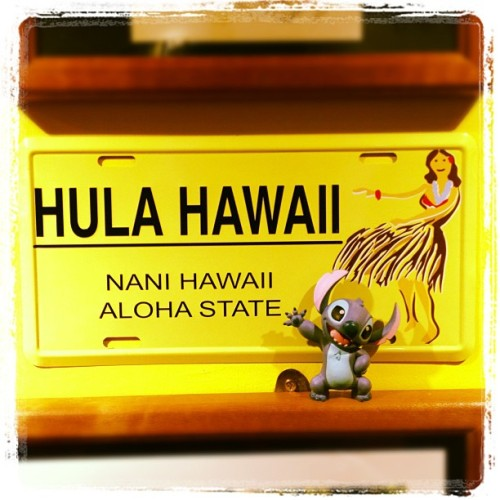 mradriantan:  #stitch back to #hawaii #hula #hawaii ! #instasg #igsg #sgig #singapore #mamaison #restaurant  (Taken with Instagram at Aloha MA MAISON)