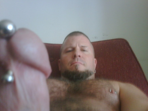 Damn Hot!! bulldogsredneckpup:  buffbeefybear:  Ready to be serviced  Fuckin HAWT