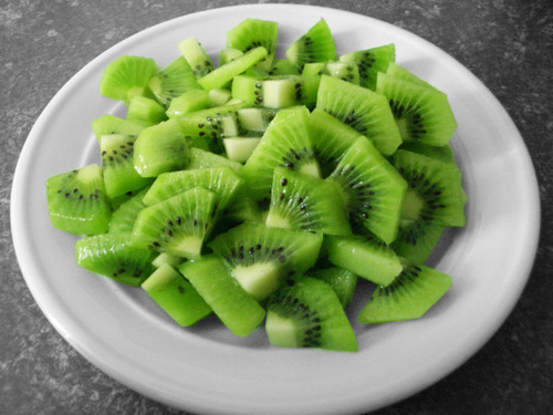 mild-kiwi:  OMG KIWI FRUIT HEHEHE   1. go to my blog here2. click on my surprise link3. Be amazed