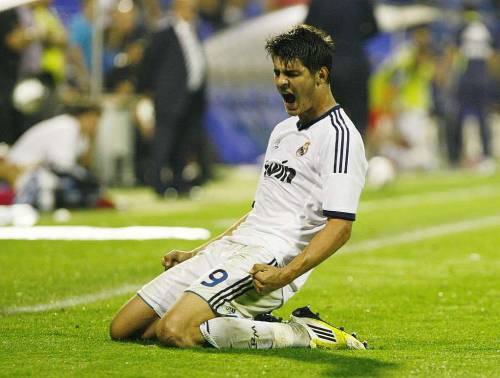 "Alvaro Morata on his future and love for Real Madrid (x) Morata: ""I'll be here until Real Madrid wants. I'll play in Castilla, in Real Madrid C or wherever, I don't care. What I want is to play for Real Madrid"" Morata: ""If I have to keep waiting in Castilla, that's perfect, for someday, if God allows it, being important in the first squad"" Morata: ""Real Madrid's the best club in the world. Is a huge responsibility that I enjoy. There's no better field, no better club"" Morata: ""Mourinho? A winner. Toril? A player maker"" (via moratacentral)"