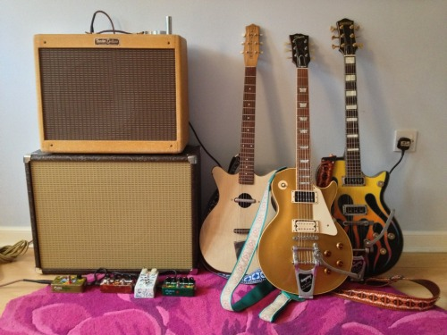 "'98 Les Paul, Danelectro Convertible, Gretsch Duo Jet and more. Tommy Blair is back with a new shot to set our tastebuds alight; ""Here's a pic of a recent set up.  This time it's a 5E3 Deluxe clone I built running into a Weber 12A125 and an extension cab with a Vox Blue.  The amp runs coke bottle 6V6Gs, a GE 5Y3GT and a '54 Tung Sol 12AY7 / 12AX7 combo for the preamp. The LP is a '98 R8 with an added Bigsby and SD antiquities.  The Danelectro is a '64 I recently picked up.  The Gretsch is my '54 Jet that I've posted before.   As always, lots of ZVex pedals in my setup!  The white pedal is a homemade octave fuzz."""