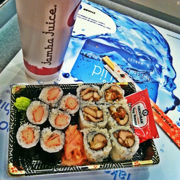 I couldn't help it. 😍😋😁🍱 #sushi #jambajuice #foodporn #teamhealthy #instagood #instagreat #instayum #instagrammers #iphonesia (Taken with Instagram)