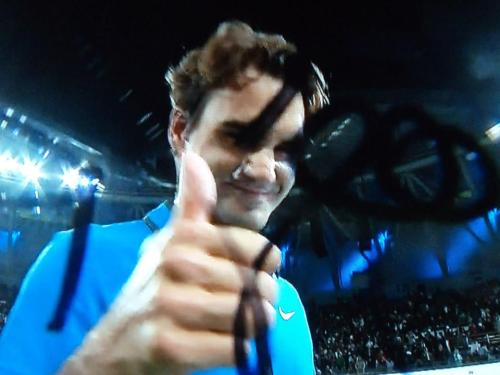 Roger, please signt the camera today. I nned your smile for 2 reasons: one because you won and you're through to the final and the other because your smile il the light for me, more then the air!!!