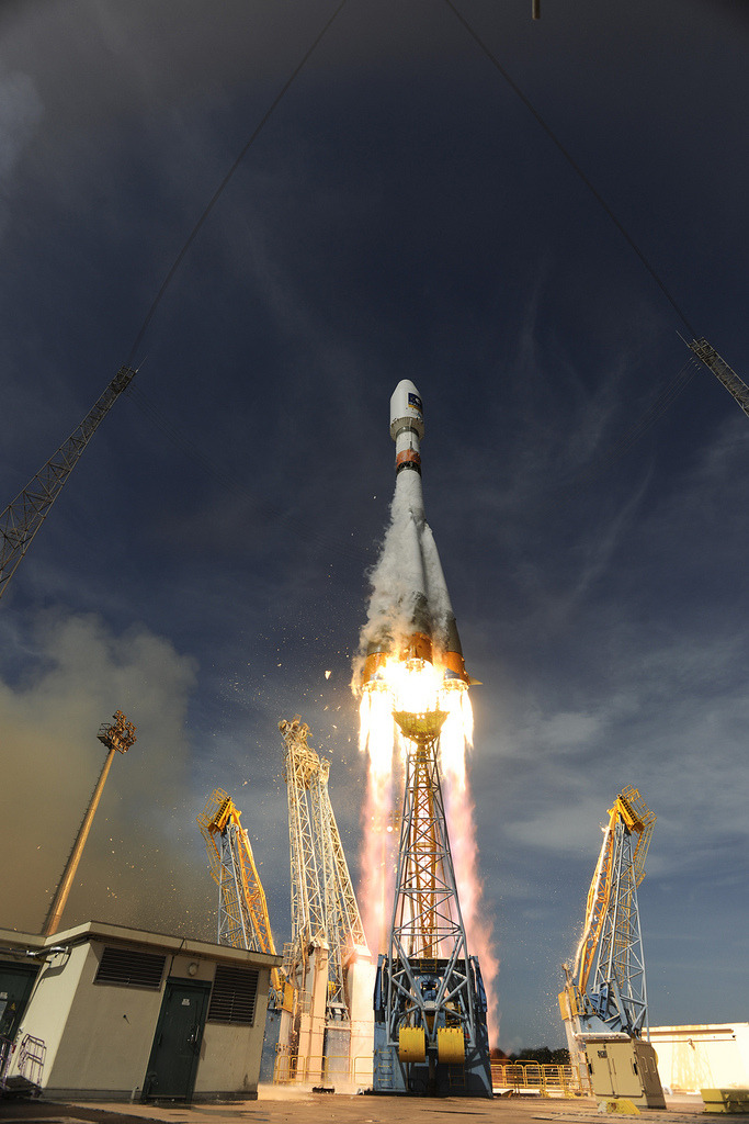 Soyuz VS03 liftoff with Galileo satellite payload.